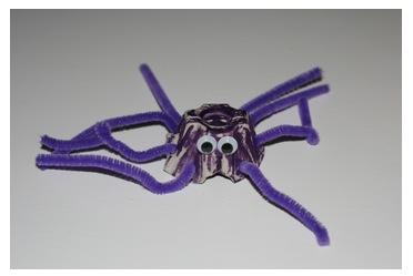 halloween egg carton spider