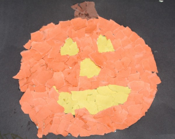All you need is construction paper and glue for this super easy Jack-o-lantern craft!
