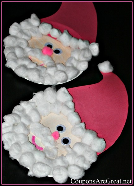 This paper plate santa is perfect for preschool to elementary school. It looks cute hanging on the fridge or in a school hallway.