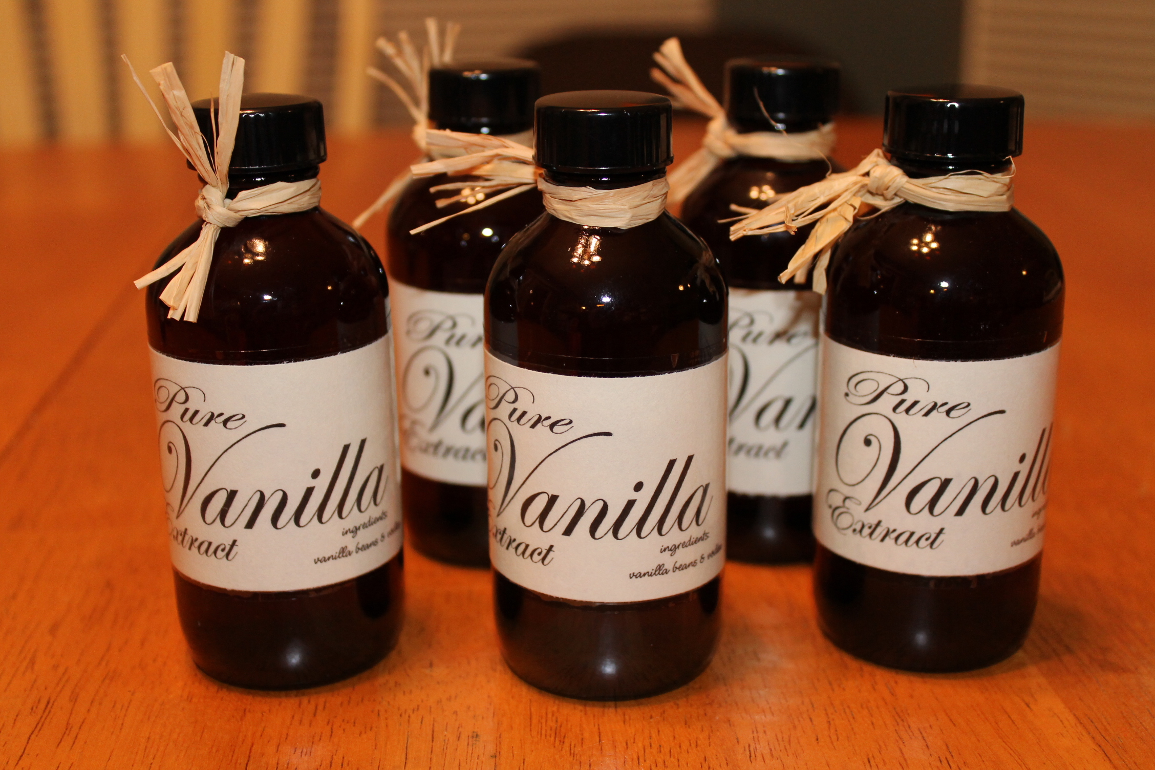 Make Your Own Pure Vanilla Extract