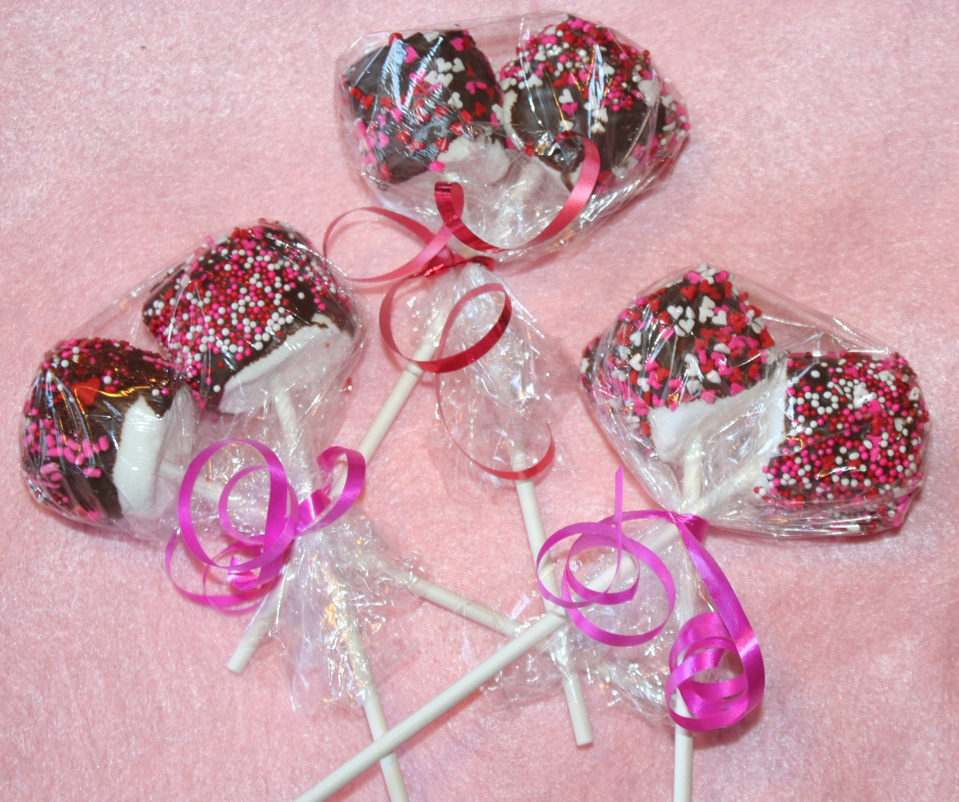 How to Make Chocolate Covered Marshmallow Lollipops