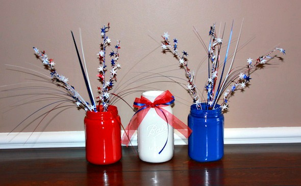 painting-jars-for-4th-of-july