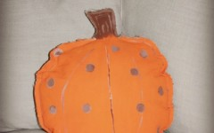 make a canvas pumpkin pillow