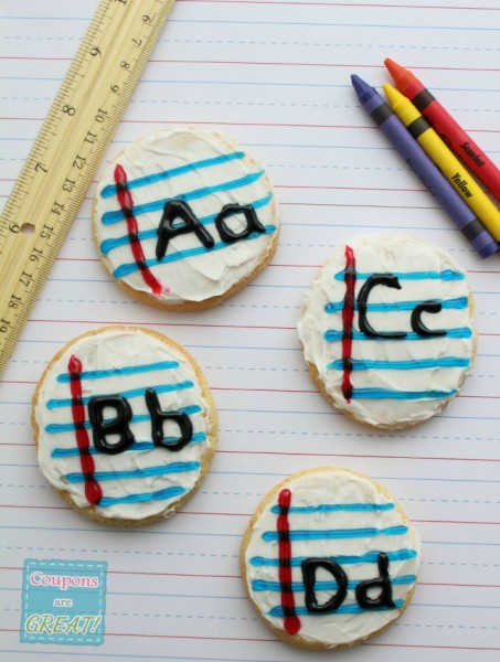 Does heading back to school get any cuter with these ABC cookies? The tip for getting the white to not smear is genius!