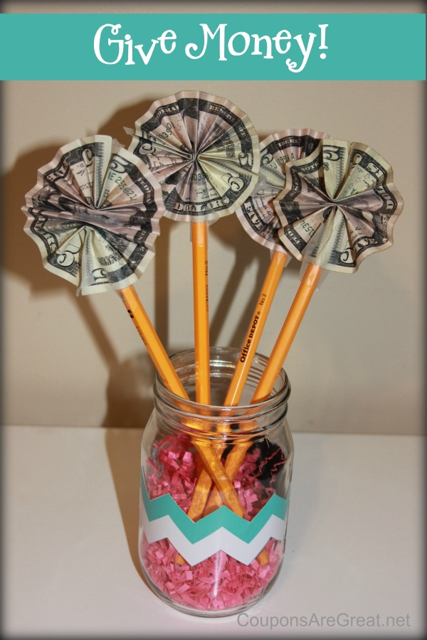 Giving the gift of money is easy when you make paper flowers!